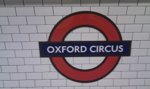Oxford circus sign-London-Frenchy a londres